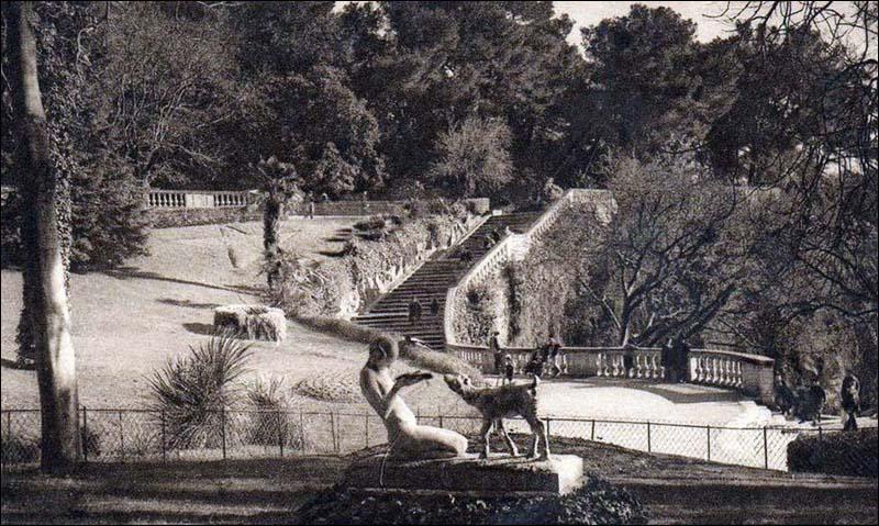 La jeune fille au chevreau, Jardin de la Fontaine de NIMES